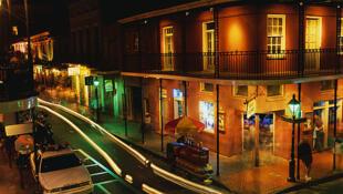 Bourbon street, la nuit. Nouvelle Orléans.(photo d'illustration)