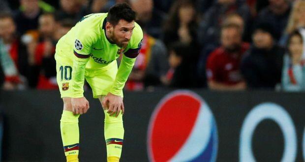 Kaftin din Barcelona Lionel Messi, bayan da Liverpool ta fitar da su daga gasar Zakarun Turai a filin wasanta na Anfield.