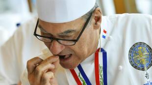 Après 40 ans à la tête des cuisines de la présidence, Bernard Vaussion quitte l'Elysée.