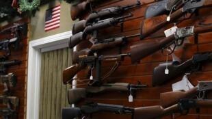 Le débat sur les armes à feu revient régulièrement sur la scène étatsunienne.