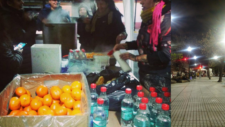 No bairro de Nueva Pompeya, em Buenos Aires, uma dúzia de voluntários estão ativos na distribuição de polenta com molho bolognese.