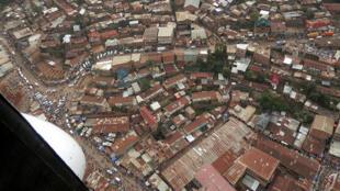 Une vue aérienne partielle de la ville de Bukavu, chef-lieu de la province du Sud-Kivu, RD Congo.