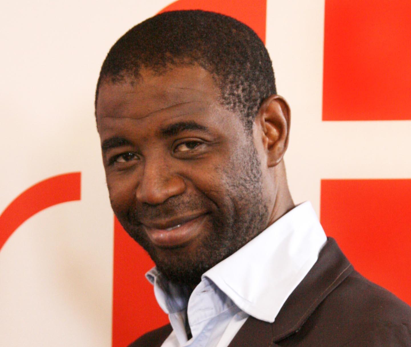 RFI – Ephrem Youkpo : un nouveau présentateur  pour « Couleurs Tropicales »