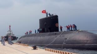 Tàu ngầm Việt Nam tại quân cảng Cam Ranh - DR