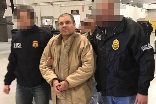 El Chapo durante sua extradição aos Estados Unidos em 19 de janeiro de 2017