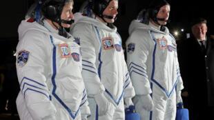Os três astronautas chegaram à Estação Espacial Internacional