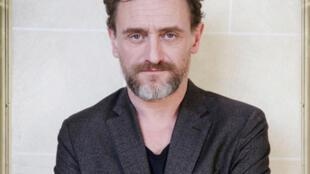 Portrait du comédien et réalisateur Jean-Paul Rouve.