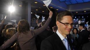 Jyrki Katainen, líder de la Coalición Nacional, quien será probablemente el nuevo Primer ministro de Finlandia.