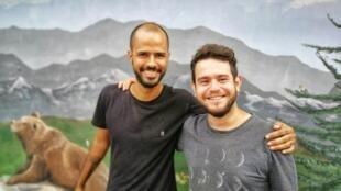 Bruno Cossalter e Eduardo Cucick deixaram Ribeirão Preto (SP) para tentar a sorte longe de casa.