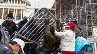 usa - capitol  2021-01-06T214212Z_1940590465_RC2L2L99AZ46_RTRMADP_3_USA-ELECTION-PROTESTS