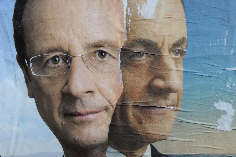 Áp phích tranh cử của hai ứng cử viên François Hollande và Nicolas Sarkozy, ảnh chụp tại Paris, 16/04/2012