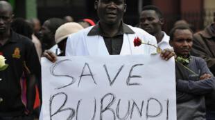 Un manifestant anti-Nkurunziza, lors d'un rassemblement à Nairobi au Kenya, le 18 décembre 2015.