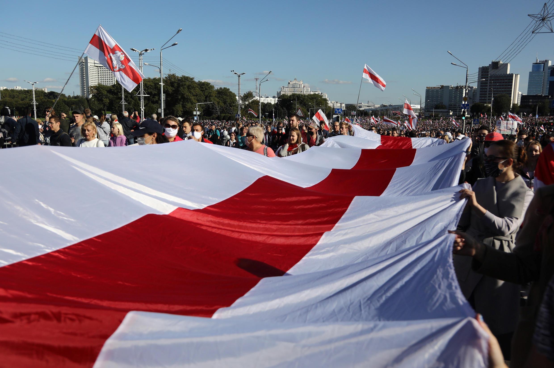 2020-09-20T132952Z_1065600830_RC2D2J9JDS84_RTRMADP_3_BELARUS-ELECTION-PROTESTS