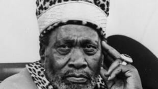 Fira Ministan Kenya na farko a 1963, kuma shuagaban kasar na farko a 1964, Jomo Kenyatta.