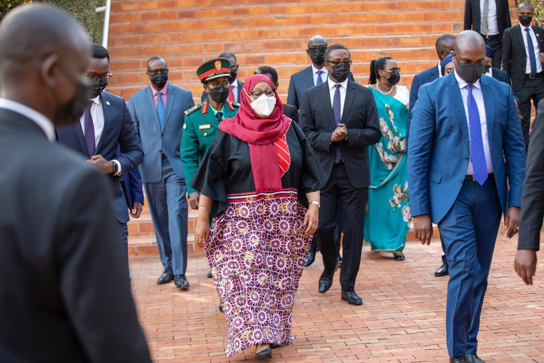 President Samia Suluhu Hassan who is on a two-day State visit to Rwanda today visited Kigali Genocide Memorial to pay respects to the victims of the 1994 Genocide against the Tutsi.