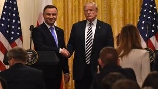 លោក Donald Trump នឹងលោកប្រធានាធិបតីប៉ូឡូញ Andrzej Duda  នៅសេតវិមាន ថ្ងៃទី១៨ កញ្ញា ២០១៨