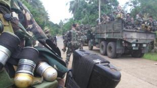 L'armée a été déployée ce vendredi 17 octobre à Sulu, sur l'île de Jolo, dans le sud des Philippines où étaient détenus les deux otages allemands.