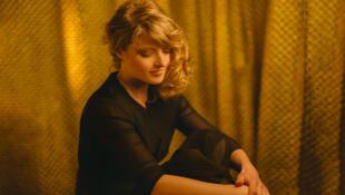 La chanteuse Melody Linhart.