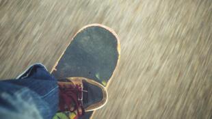 Enthousiastes, les jeunes skateurs d'Addis-Abeba espèrent étendre le succès de ce sport aux autres villes d'Ethiopie.