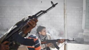 Image prise le 12 octobre 2011, bataille de Syrte, en Libye.