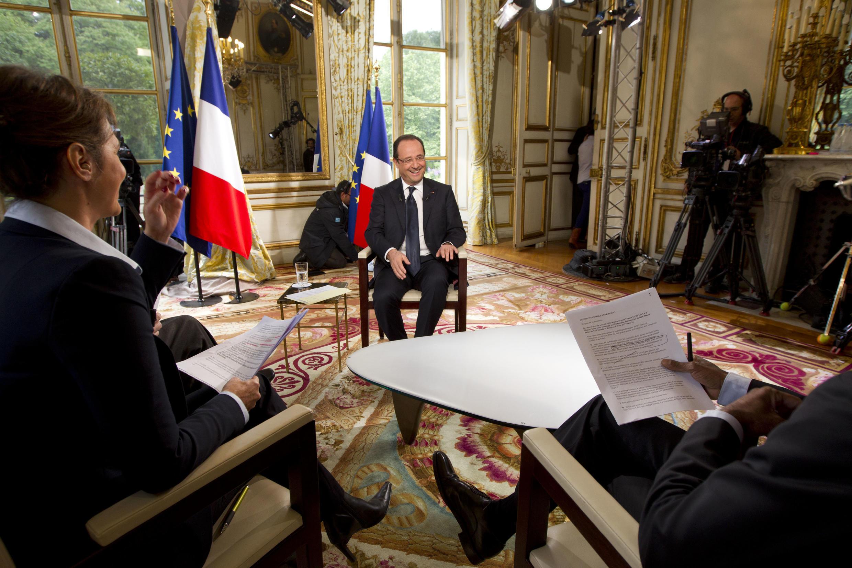 En matière de terrorisme, François Hollande assure que «chaque fois qu'il y a un signalement, nous agissons».