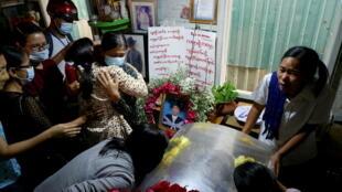 2021-03-28T080938Z_1826639827_RC28KM9ZHBVE_RTRMADP_3_MYANMAR-POLITICS