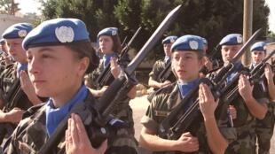 Femmes soldats de l'armée française au Liban (Unifil) en 2001.