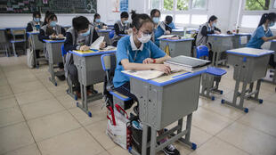 中國湖北武漢高中生回校複課 2020年5月6日