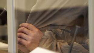 L'un des deux anciens officiers syriens jugés à Coblence. Ici, le 23 avril 2020.