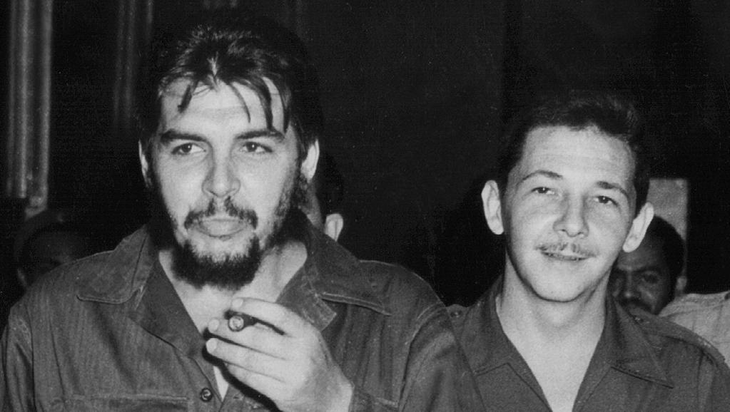 """Ernesto """"Che"""" Guevara junto a Raúl Castro"""