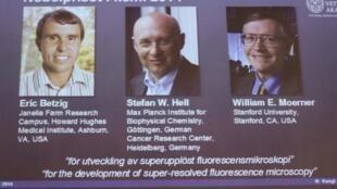 Ba nhà khoa học đoạt giải Nobel hóa học 2014 (từ trái sang phải) : Eric Betzig, Stefan Hell và William Moerner.