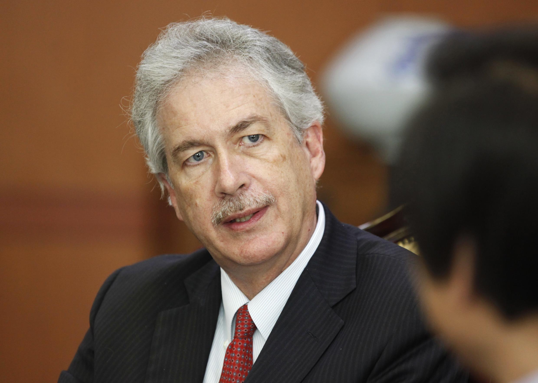 William Burns secrétaire d'Etat américain adjoint doit rencontrer les nouvelles autorités égyptiennes.