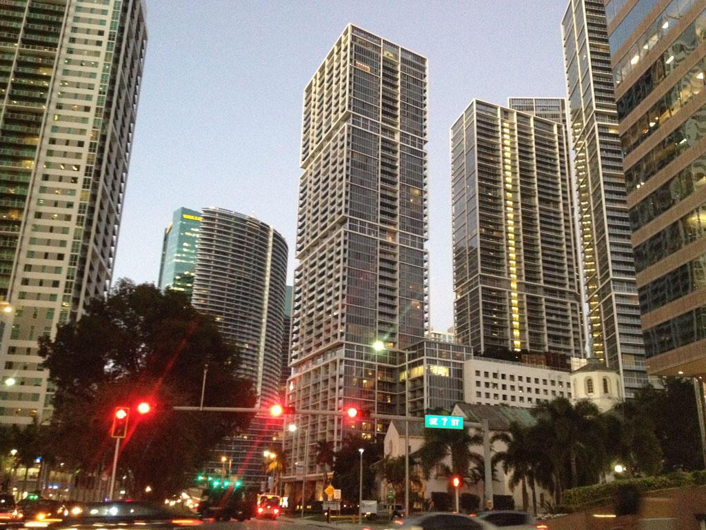 Trung tâm thành phố Miami (Florida), miền đất hứa của nhiều thế hệ người Cuba di cư.