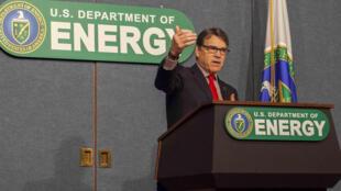Bộ trưởng Năng Lượng Mỹ Rick Perry phát biểu tại trụ sở bộ, Washington D.C., ngày 03/03/2017.