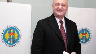 По словам президента Молдовы Игоря Додона, вероятность проведения досрочных парламентских выборов равна 70%