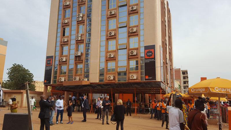 Le siège de la société de téléphonie Orange au Burkina Faso.