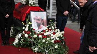 Lors des funérailles de l'opposant Astrit Dehari, le 8 novembre 2016 à Pristina.