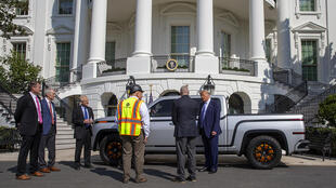 Lordstown Motors, which visited the White House in September 2020, warned Tuesday it lacks sufficient capital to beging commercial production