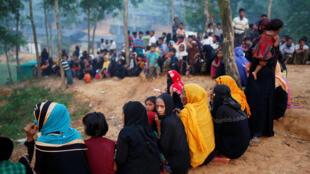 Wasu daga cikin 'yan matan kabilar Rohingya Musulmi da ke samun mafaka a Bangladesh