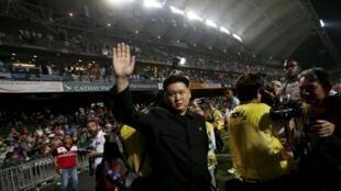 一名打扮成金正恩的男子出现在香港橄榄球颁奖典礼上 2015年3月29日