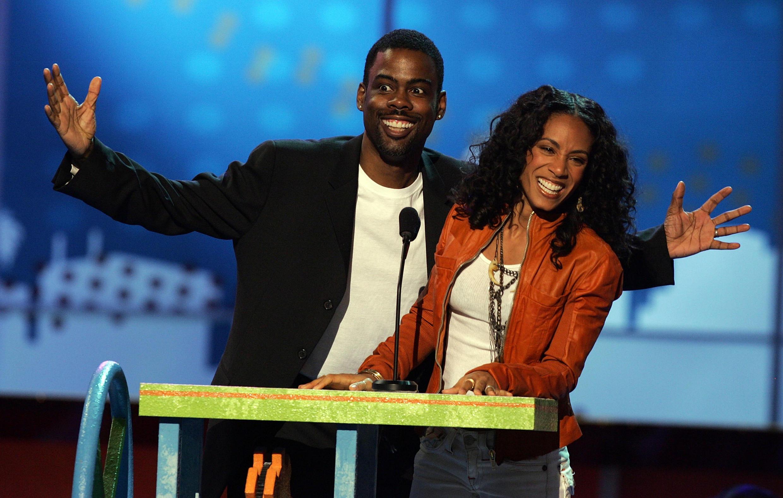Chris Rock, en compagnie de Jada Pinkett Smith qui a appelé au boycottage des Oscars, comme son mari Will Smith.
