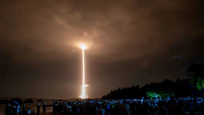 """报导称中国测试新的""""高超音速滑翔飞行器""""使用了类似图中的长征火箭"""