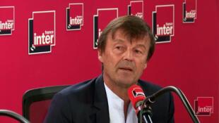 Nicolas Hulot, lors de son interview à France Inter où il explique qu'il démissionne de son poste de Ministre de la Transition écologique et solidaire.