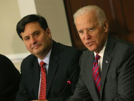 Joe Biden nomeou Ron Klain (à esquerda) como seu chefe de gabinete.