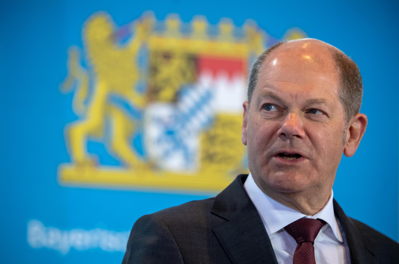 Olaf Scholz habla durante una rueda de prensa que dio el 31 de marzo de 20202 en la ciudad alemana de Múnich