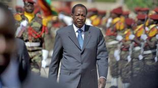 Le président burkinabé, Blaise Compaoré rencontre, à partir de mardi 3 novembre 2009 à Ouagadougou, les représentants des Forces vives guinéennes pour organiser un dialogue avec les militaires au pouvoir à Conakry.