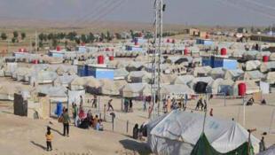 """اردوگاه """"الهول"""" در شمال شرقی سوریه که در آن نزدیک به ٧۵ هزار نفر اسکان داده شدهاند، در موقعیت بهداشتی، امنیتی و انسانی بسیار نامطلوبی قرار دارد."""