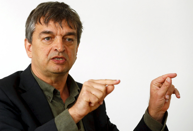 Jérôme Champagne, candidato à presidência da Fifa, defende mudanças e transparência dentro da entidade máxima dentro do futebol.