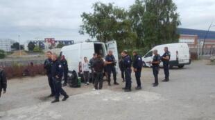 Полицейская операция в Кале