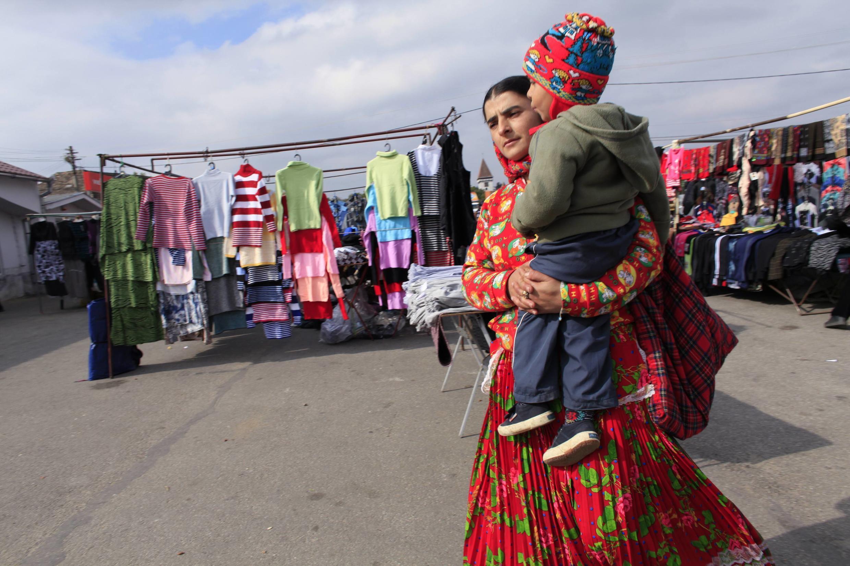 O Conselho da Europa adotou ontem um plano de integração e combate à discriminação dos ciganos romenos.